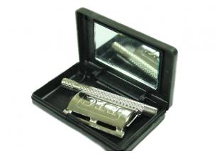 Станок для бритья (в коробке с зеркалом)